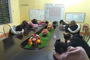 Kiểm tra quán karaoke trong đêm, phát hiện 14 cô gái sử dụng ma túy