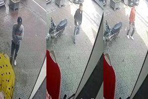 Nhóm côn đồ xông vào nhà chửi bới, đánh gục người đàn ông tới nhập viện