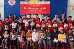 Gần 1 tỉ đồng mang đến chương trình 'Tết cho trẻ em nghèo'