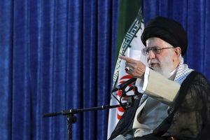 'Chúng ta đã tát vào mặt họ' - lãnh đạo Iran nói về vụ nã tên lửa