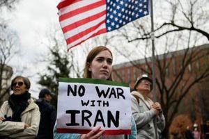 Cựu Đại sứ Mỹ tại Oman: Cuộc không kích của Iran có thể giúp hạ nhiệt căng thẳng tại Trung Đông