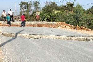 Đường giao thông 80 tỉ đồng tại Long An sụp lún khi chưa hoàn thành