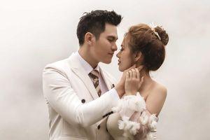 Hậu hôn lễ bí mật, Minh Anh khoe bộ ảnh cưới lung linh cùng vợ tại Đà Lạt