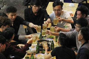 Tăng thuế rượu, bia để bớt nhậu