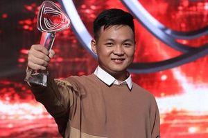 Hotboy 'bách khoa sống' tham dự 'Siêu trí tuệ Việt Nam' được vinh danh Gương mặt trẻ Thủ đô