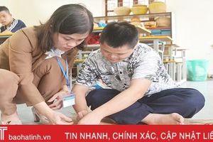 Chuyện những giáo viên dạy nghề cho người khuyết tật ở Hà Tĩnh