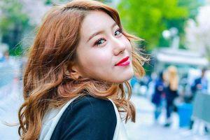 Nữ thần tượng Hàn thừa nhận là người song tính, tiết lộ đã có bạn gái
