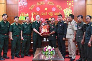 Lực lượng vũ trang 3 tỉnh Campuchia chúc tết BĐBP Bình Phước