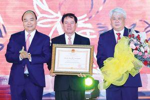 Thủ tướng Nguyễn Xuân Phúc: Trà Vinh sẽ trở thành trụ cột trong phát triển kinh tế ở ĐBSCL