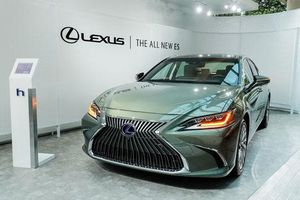 Lexus ES 300h mới, ra mắt tại Việt Nam được nâng cấp những gì?