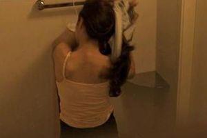 Sinh viên bị cấm rời Singapore vì quay lén 12 phụ nữ trong nhà vệ sinh