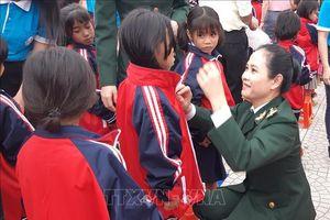 Chương trình 'Xuân Biên phòng - Ấm lòng dân biên giới 2020' tại Quảng Bình