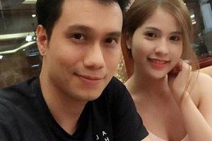 Việt Anh và vợ cũ bất ngờ 'tái hợp' sau 7 tháng ly hôn, cùng đưa con trai tới trường dự ngày hội cuối năm