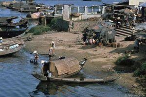 Kho ảnh khổng lồ về Việt Nam 1991-1993: Xuôi dòng sông Hương