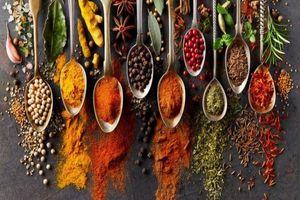 Thu giữ nhiều tấn tân dược, thực phẩm chức năng lậu ra... chợ Tết