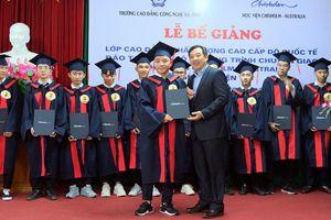 Trao bằng tốt nghiệp nghề trọng điểm cấp độ quốc tế cho 19 sinh viên Hà Tĩnh
