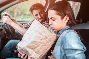 Tại sao một số người dễ bị say xe?