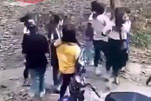 2 nhóm nữ sinh hẹn đánh nhau: Đang là trò ngoan