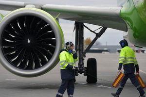May bay Nga chở 200 khách đến Việt Nam bất ngờ cháy động cơ