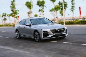 VinFast bán ra 17.200 ô tô, sắp ra mắt mẫu SUV hiệu suất cao Lux V8 và ô tô điện
