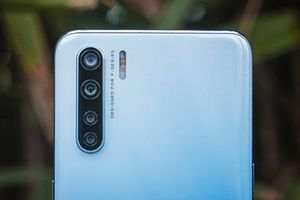 Cận cảnh smartphone Oppo 4 camera sau, RAM 8 GB, pin 4.000 mAh, giá 6,54 triệu