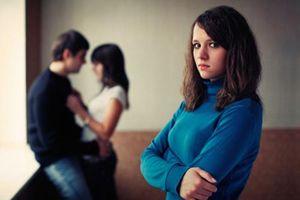 Biết chồng thuê bồ về làm ô sin, vợ chỉ ầm thầm giao cho cô ta mỗi 1 việc và cái kết bất ngờ