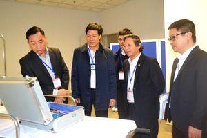 Hành khách Trung Quốc nhập cảnh qua sân bay Nội Bài đều được đo thân nhiệt