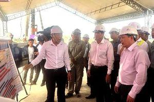Bộ trưởng Giao thông Vận tải chúc Tết cán bộ, công nhân Dự án Trung Lương - Mỹ Thuận