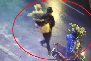 2 nam thanh niên đi xe máy trộm hoa Tết ở nhà dân