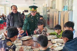 Chuyện những đứa con nuôi biên phòng ở Quảng Ninh