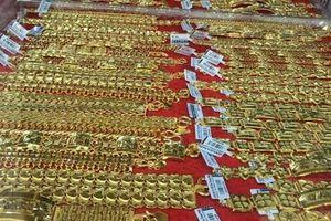 Giá vàng SJC tăng mạnh ngày cận Tết