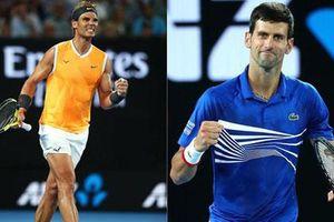 Nadal cố tình giơ 'ngón tay thối' chọc tức Djokovic