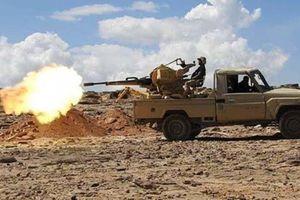 Phiến quân Houthi không kích làm 70 binh sĩ Yemen thiệt mạng