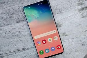 Siêu phẩm Samsung Galaxy S10+ bản 512GB giảm giá sốc