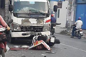 TP HCM: Va chạm với xe tải, một người nước ngoài thiệt mạng
