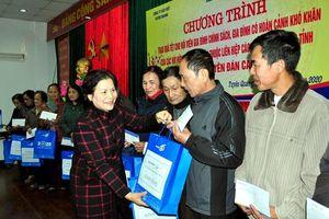 Liên hiệp Tuyên Quang tặng quà Tết cho đối tượng chính sách, gia đình hoàn cảnh khó khăn