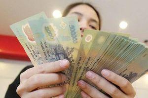Phạt đến 500.000 đồng nếu vợ không đưa tiền cho chồng tiêu Tết