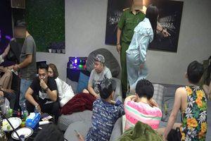 Cảnh sát đột kích tiệc ma túy của nhóm thanh niên ở TP.HCM