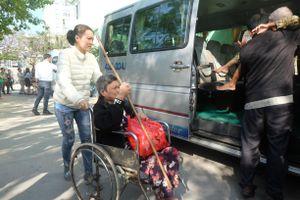 Đà Nẵng với chuyến xe nghĩa tình hỗ trợ những bệnh nhân về quê ăn tết