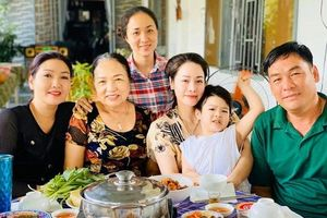 Sau 3 ngày đón Tết sớm bên ngoại, Nhật Kim Anh bật khóc vì phải xa con