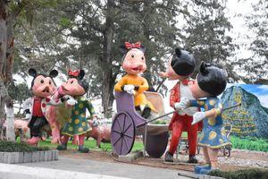 Độc đáo bộ tượng gia đình chuột du Xuân, đón Tết tại Hải Phòng
