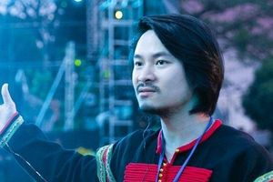 Đạo diễn Hoàng Nhật Nam chia sẻ trước thềm năm mới: 'Khó khăn, áp lực thế nào cũng không làm tôi chồn chân mỏi gối'