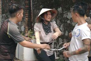 Cô gái nhà người ta tập 3: Khách của Yen Homestay ghẹo gái làng, đòi ôm Mận