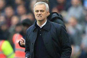 HLV Mourinho đối diện với bất ổn nội bộ tại Tottenham