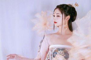 Mỹ nhân vô duyên nhất Trung Quốc tung bộ ảnh cổ trang cực căng