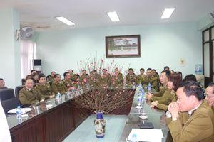 Tổng Cục trưởng Trần Hữu Linh thăm, chúc Tết 3 Đội cơ động thuộc Cục QLTT Hà Nội