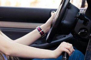 Sai lầm chết người của tài xế khi sử dụng xe số sàn