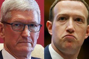 CEO Apple Tim Cook 'đá xoáy' Mark Zuckerberg, người đứng đầu Facebook không khỏi nóng mặt