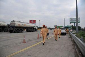 Lãnh đạo Cục CSGT trực tiếp đi kiểm tra nồng độ cồn trên cao tốc
