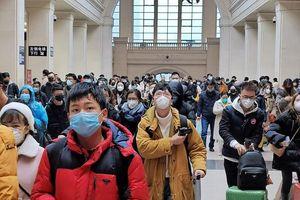 Người dân Trung Quốc tháo chạy khỏi ổ dịch Vũ Hán